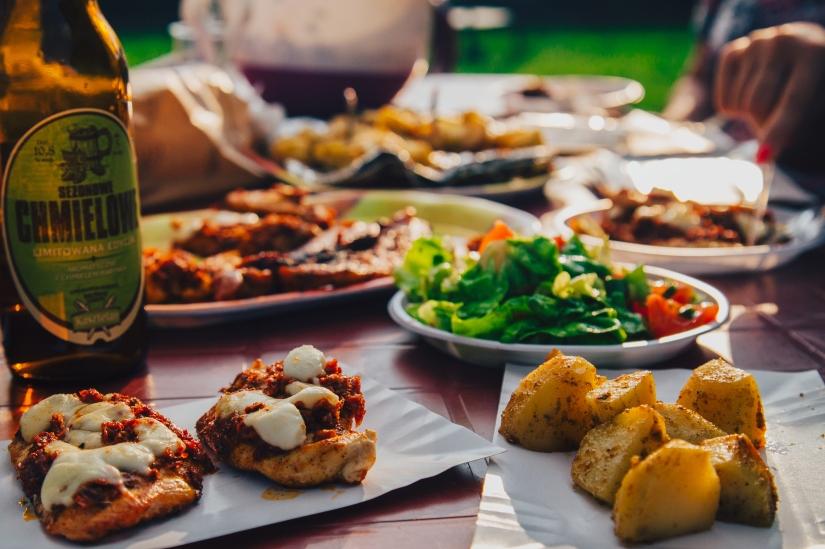 food-eating-potatoes-beer-8313.jpg
